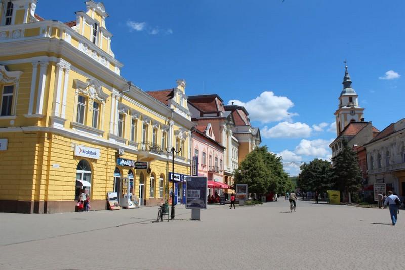 Через коронавірус в Закарпатській області починають скасовувати заплановані масові заходи