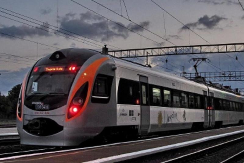 Укрзалізниця призупинила пасажирське залізничне сполучення з Польщею