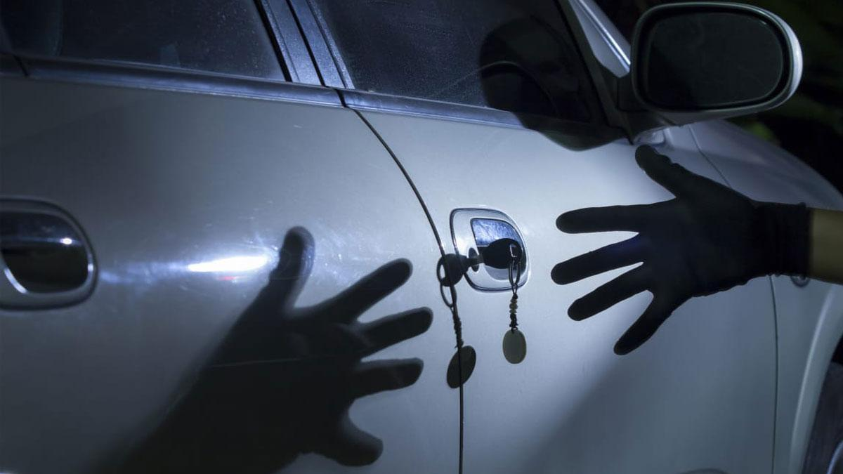 Від чоловіка вкрали автомобіль