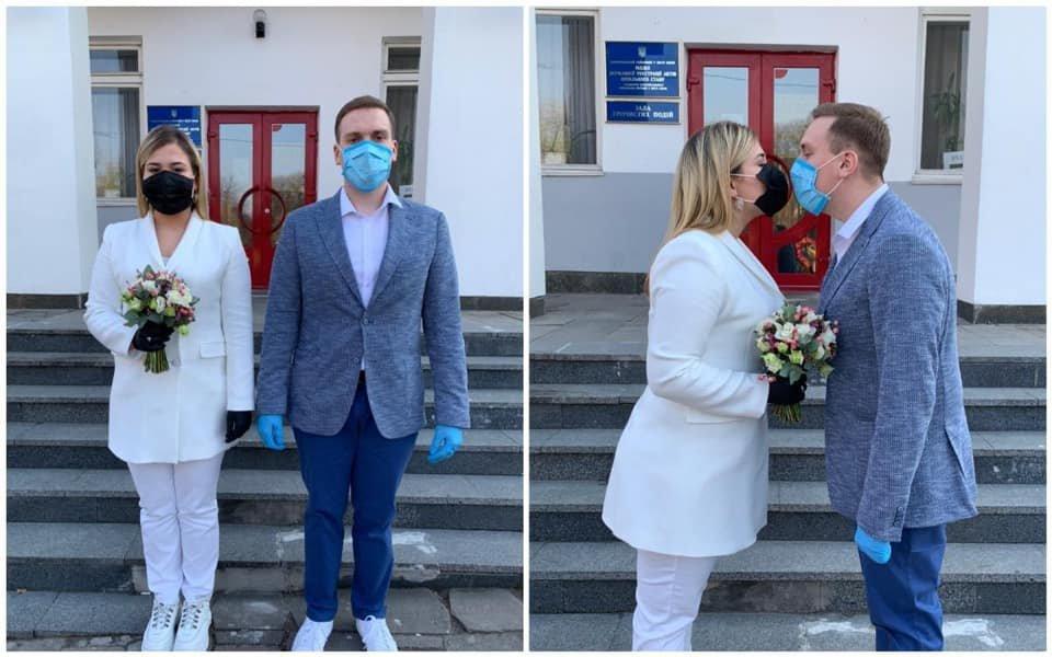 Шлюб під час карантину: молодята в масках та рукавицях – як вони виглядають