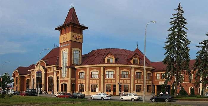 В Ужгороді на вокзалі виявили підозрілу сумку