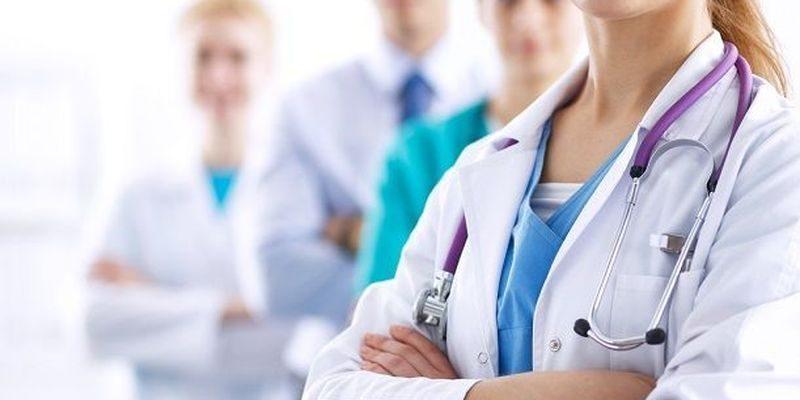 МОЗ закликає інтернів та студентів-старшокурсників допомогти медикам у боротьбі з коронавірусом