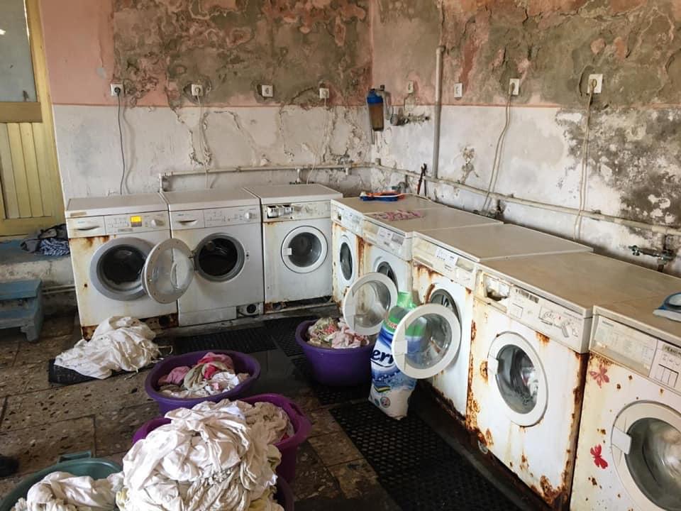 У мережі показали шокуючий стан пральні Хустської ЦРЛ