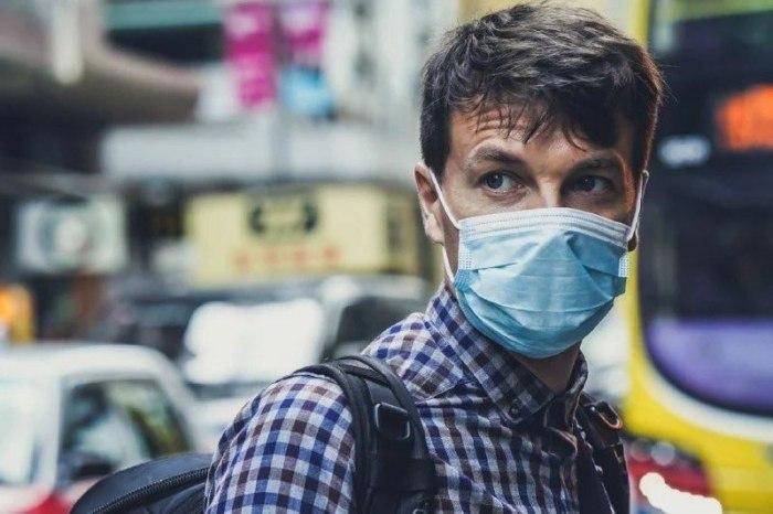 Українці якого віку найчастіше хворіють на коронавірус: дані статистики