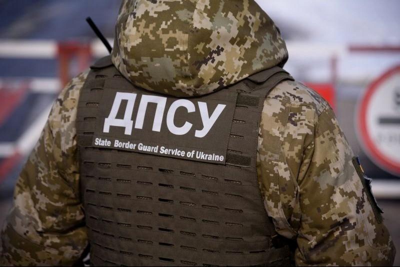 Прикордонники готові взяти на роботу заробітчан, які повернулись в Україну