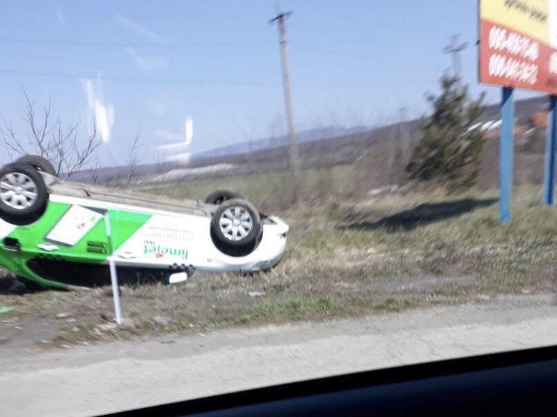 ДТП на Ужгородщині: таксі перекинулося на дах