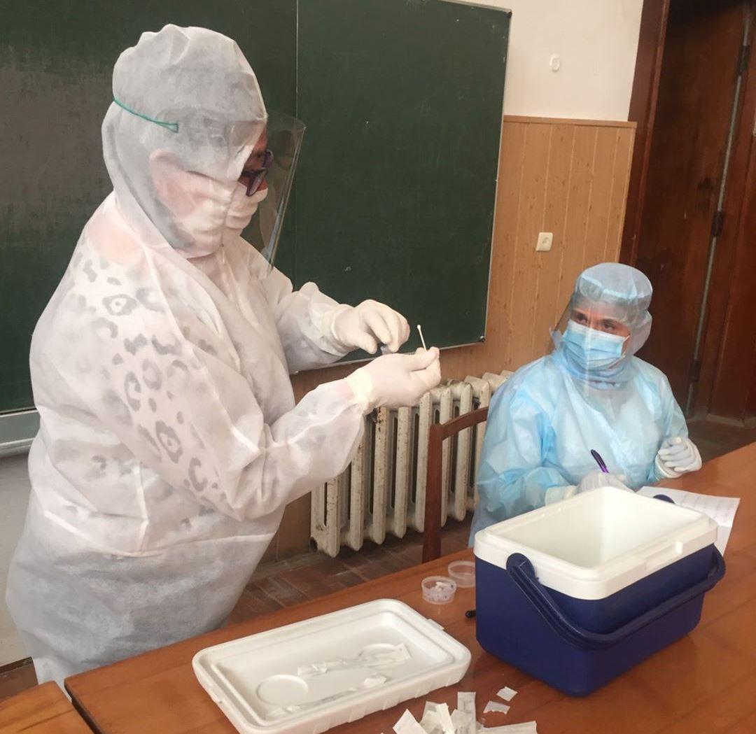 17 медпрацівників відправили на самоізоляцію: про ситуацію із коронавірусом в Ужгороді