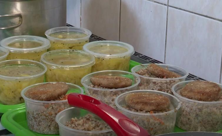 """""""Кухня для бідних"""": у Мукачеві допомагають тим, хто цього потребує"""