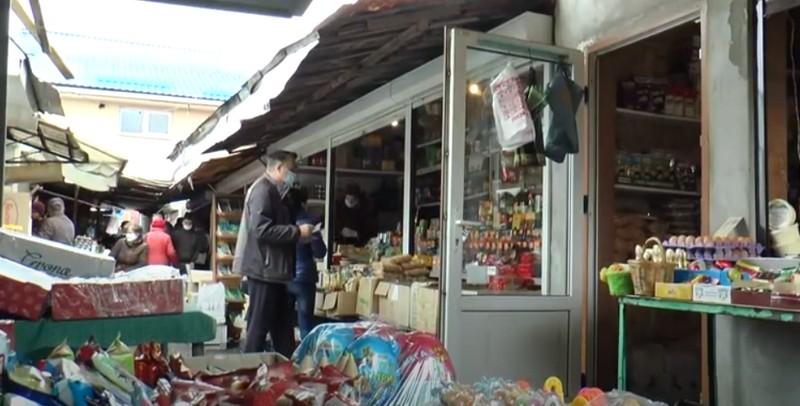В Ужгороді вирішують, чи закривати ринки