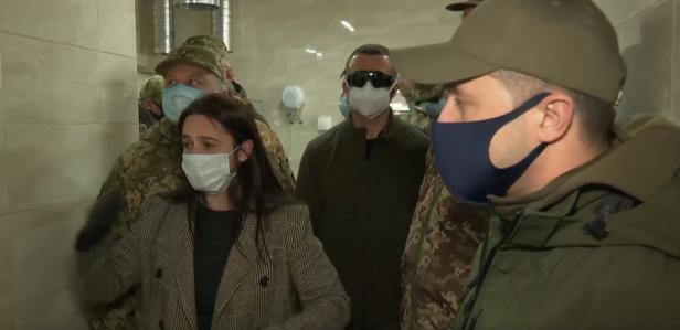 Як президент Зеленський військове містечко інспектує: оприлюднено відео