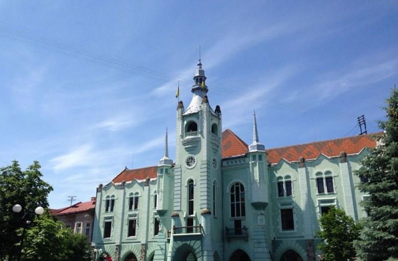 У Мукачеві на вихідні перекриють деякі вулиці та закриють церкви