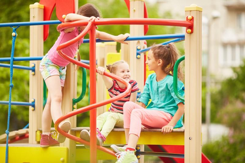 У Мукачеві облаштують спортивно-ігровий дитячий майданчик