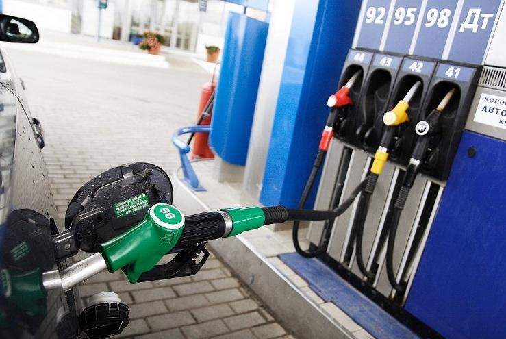 Ціни на бензин і дизпаливо в Україні падають