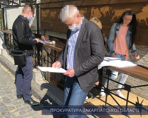 Ужгородського посадовця підозрюють у розтраті бюджетних коштів