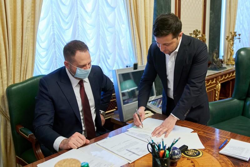 Зеленський підписав закон про ринок землі