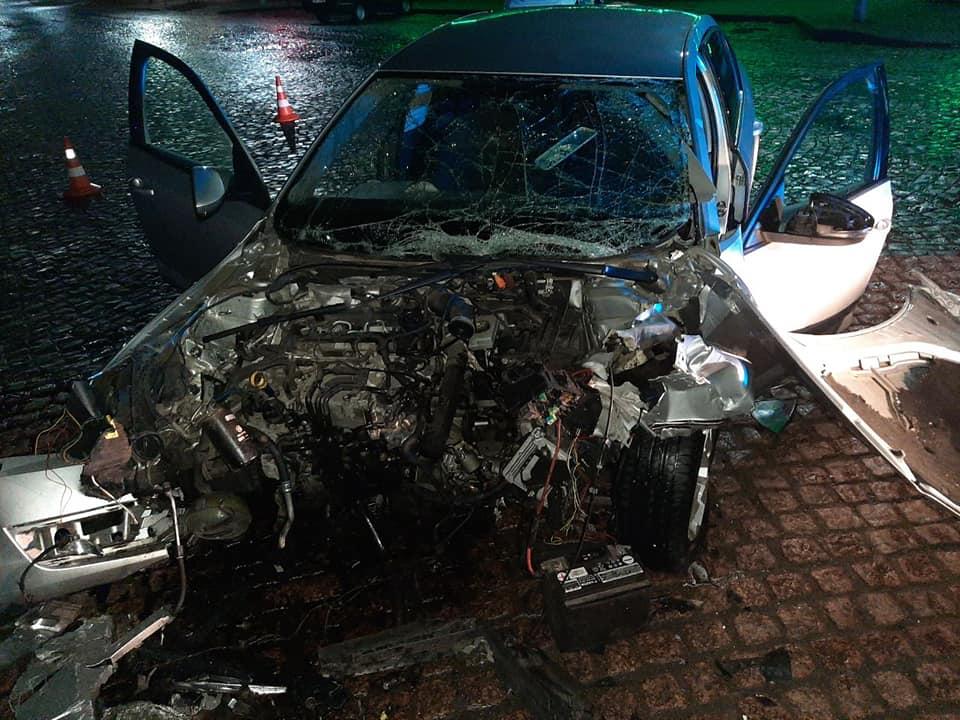 У мережі з'явилось відео ДТП у Мукачеві, в якій загинула дівчина