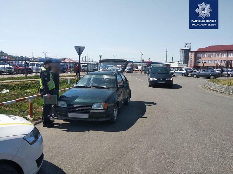 """У Мукачеві розшукують очевидців ДТП, яка сталась біля """"ГІДу"""""""