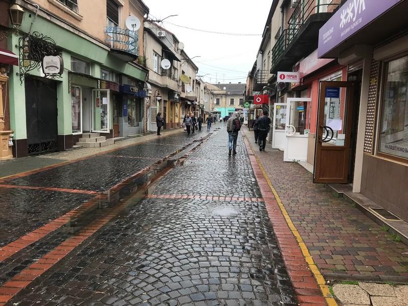 Чи працюють попри карантин ТРК Щодня та магазини у Мукачеві