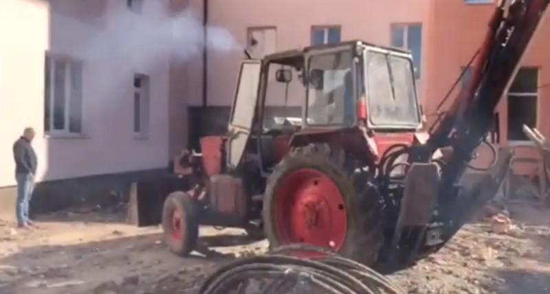 Як у Мукачеві триває ремонт поліклініки