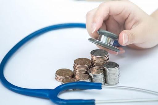 Парламент ухвалив рішення виплачувати допомогу медпрацівникам