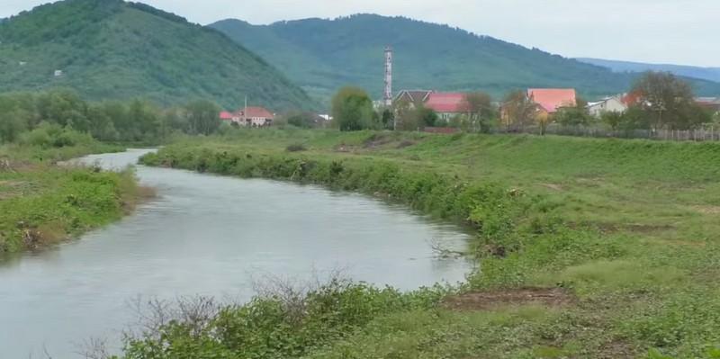 У Мукачеві приводять до ладу береги Латориці