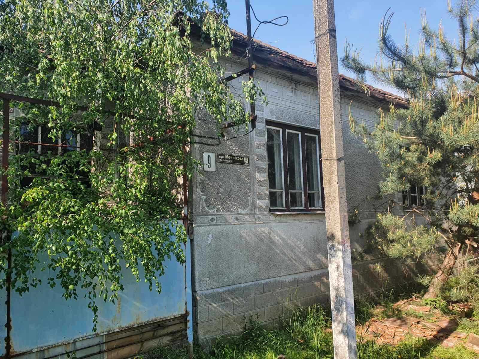 Вночі у Мукачеві горів будинок: оприлюднено фото наслідків