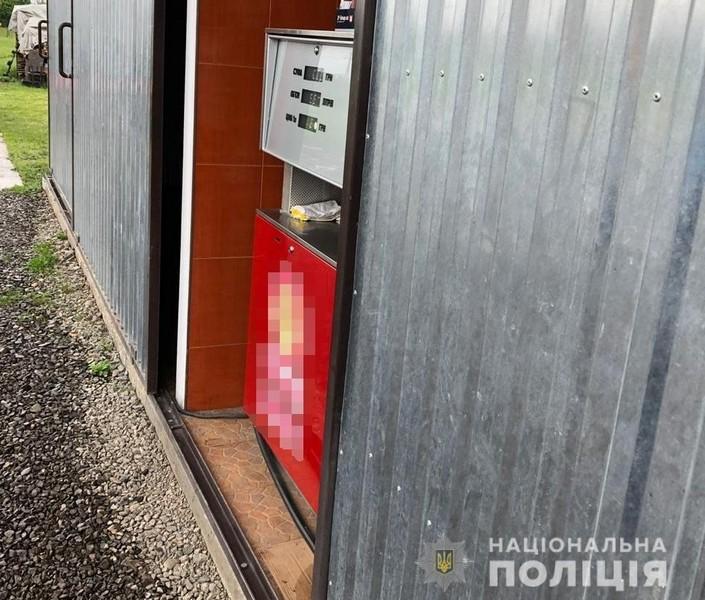 На Іршавщині поліція перевіряє інформацію про незаконне функціонування АЗС