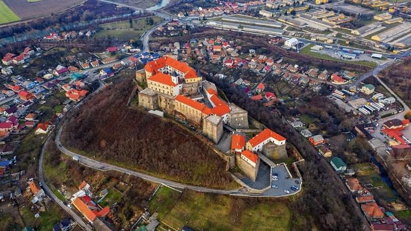 """Замок """"Паланок"""" відкрили для відвідувачів"""