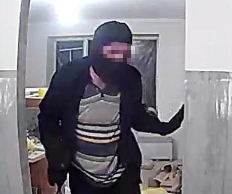 Поліцейські Мукачева викрили квартирного злодія