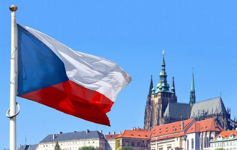 Наступного тижня Чехія послабить контроль на кордонах