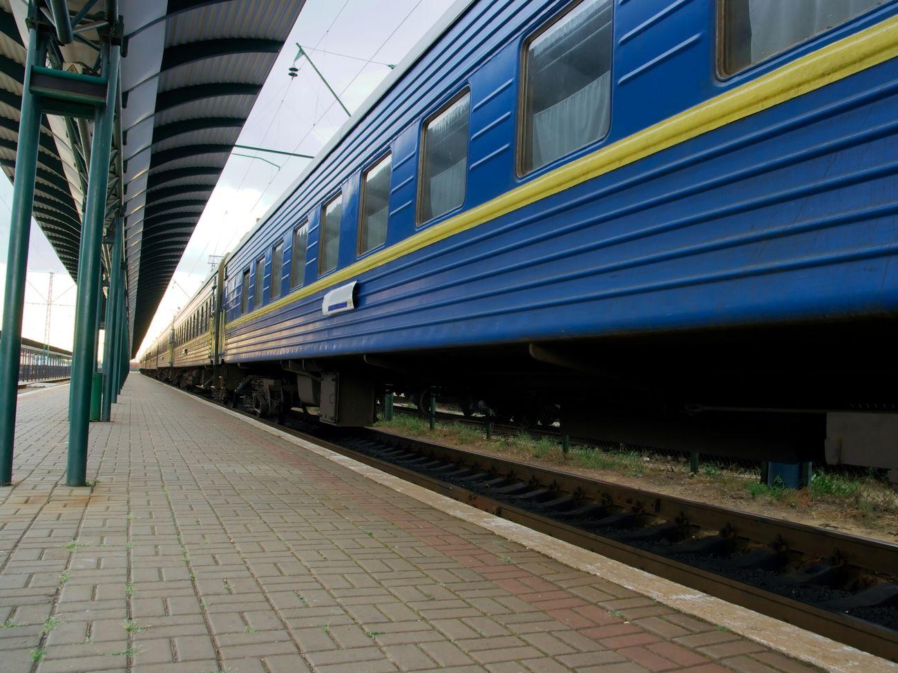 Коли запустять поїзди в Україні: названо дату