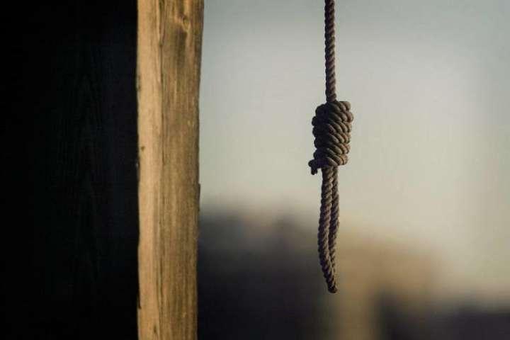 Закарпатець повернувся із заробітків і скоїв самогубство у селі Видричка