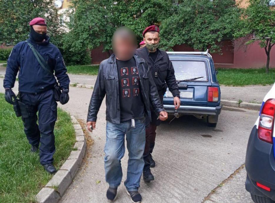 Поліцейські Ужгорода затримали ймовірних грабіжників