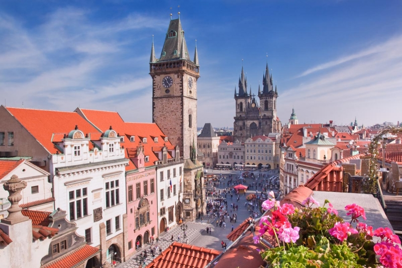 У Чехії зняли більшість карантинних обмежень