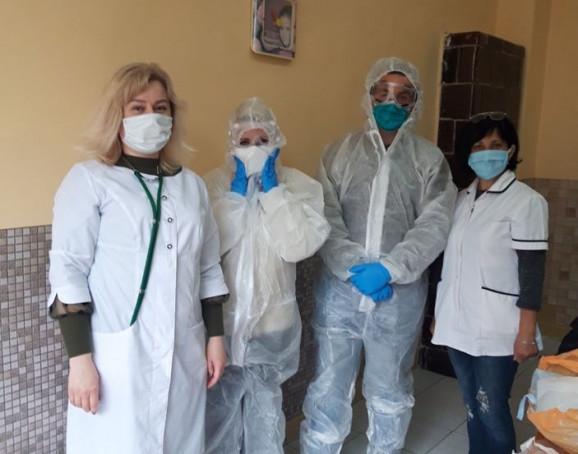 У жителів села Липча відібрали 14 зразків для ПЛР-дослідження