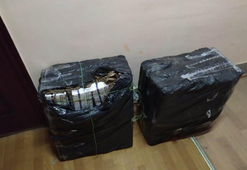 Прикордонники знайшли 6 тисяч пачок сигарет