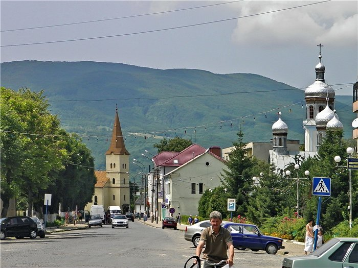 Впізнай місто Закарпатської області по фото: цікавий тест