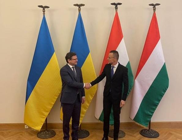 Кулеба і Сійярто зустрілись в Будапешті говорити про примирення