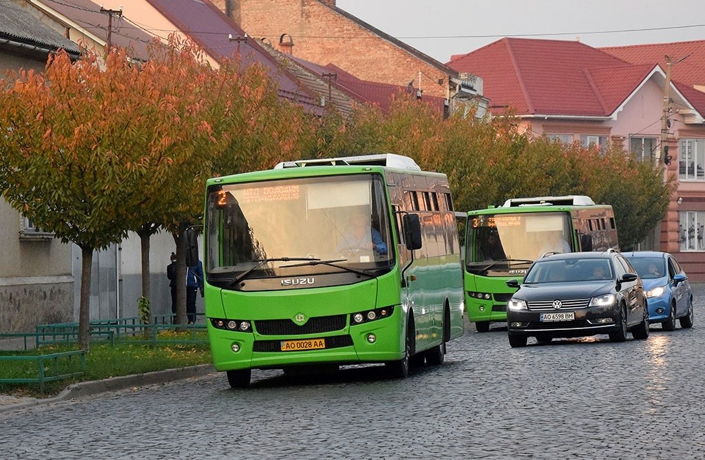 У Мукачеві дозволили їздити маршруткам: відомо, з якого числа