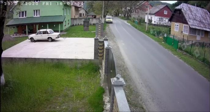 На швидкості злетів в кювет: момент аварії зафіксували камери