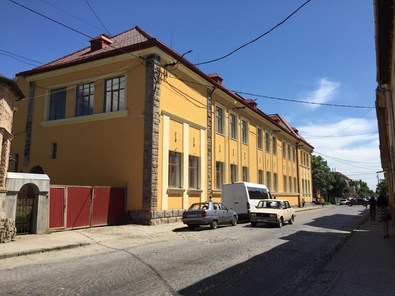 У Мукачеві готують до відкриття палац культури та мистецтв