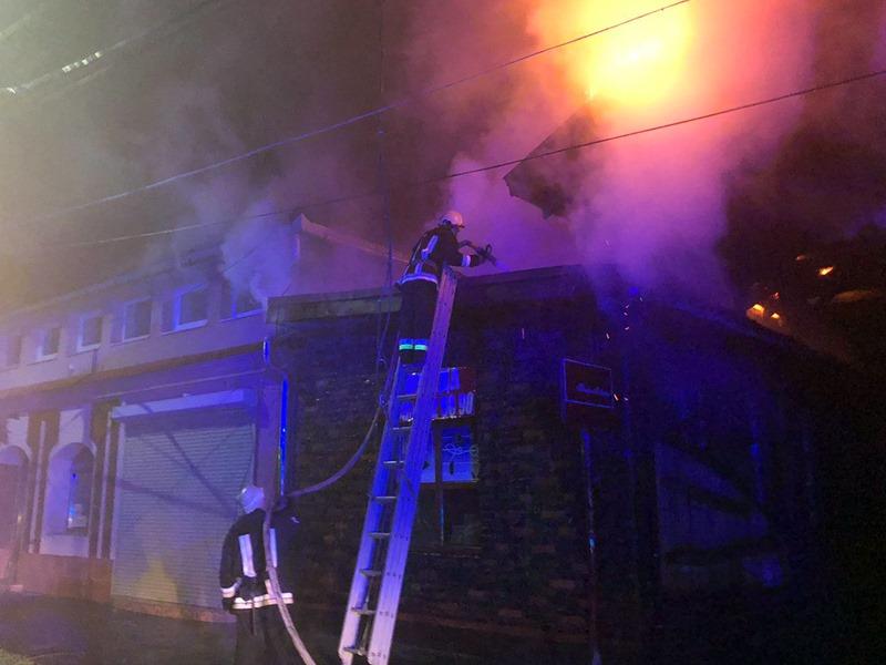 Масштабну пожежу в Мукачеві ліквідовували 8 годин