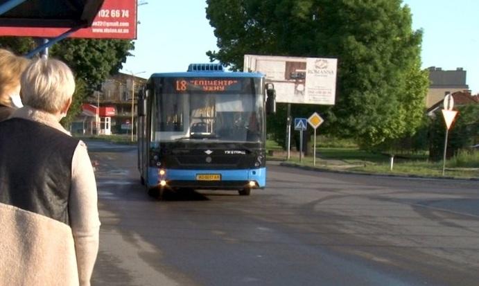 В Ужгороді зі 120-ти автобусів наразі запустили лише 71