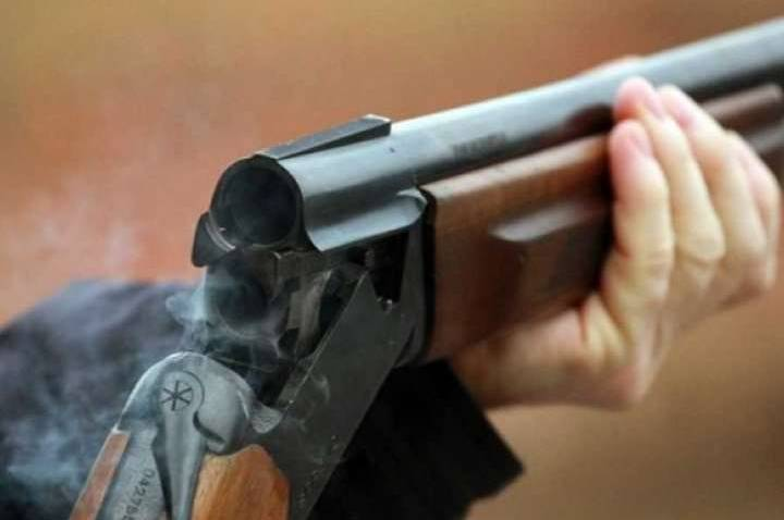 На Закарпатті чоловік стріляв у двох хлопців