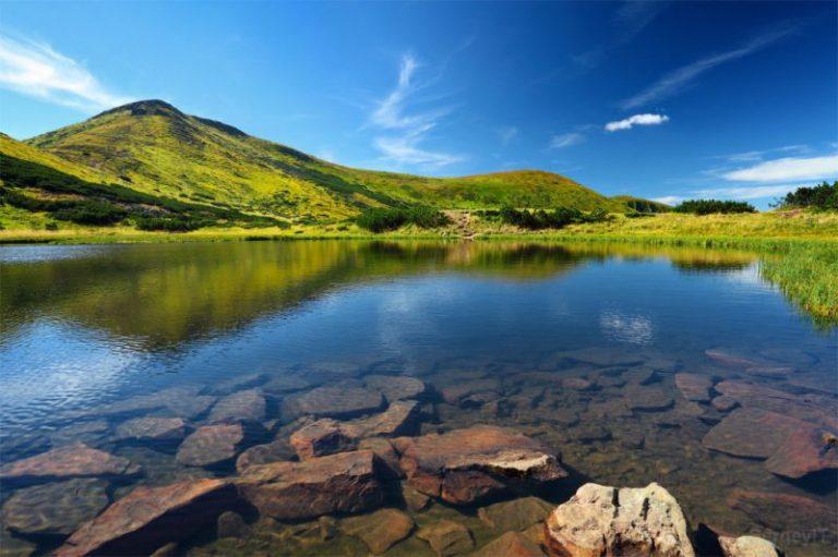 Подорожі Україною: куди поїхати у літню відпустку