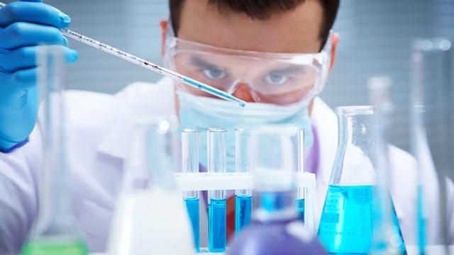 В Україні вже кілька днів поспіль спостерігається значний приріст інфікованих COVID-19