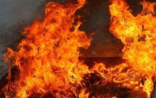 Вночі на одному з ринків Ужгорода спалахнула пожежа