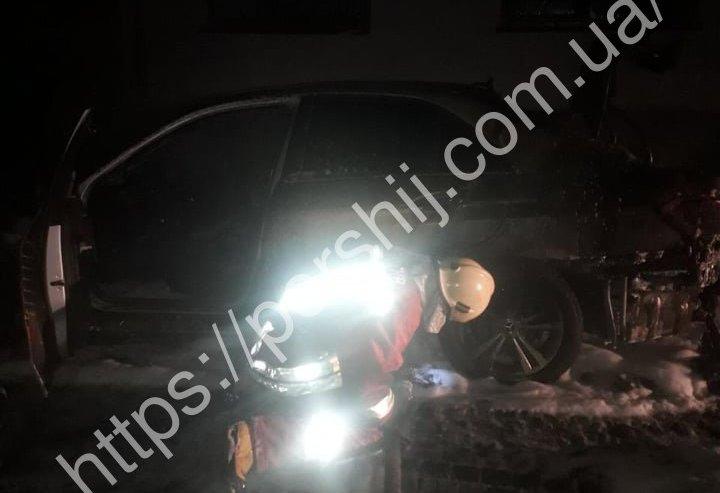 У Хусті вночі згорів автомобіль