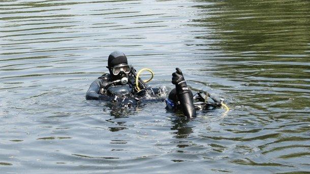 Водолази в Ужгороді шукають тіло молодого чоловіка