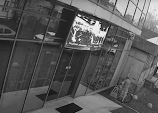В області почали частіше красти велосипеди: відеокамери зафіксували один із таких випадків